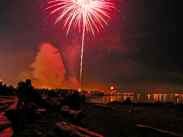 4th of July fireworks, City Beach, Oak Harbor, Washington