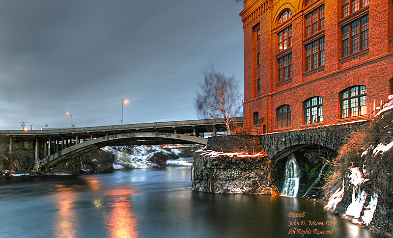 An evening at the Post Street bridge, Spokane, Washington