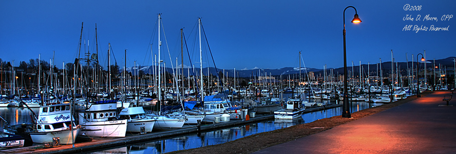 A wider look at the Bellingham, Washington, Marina.